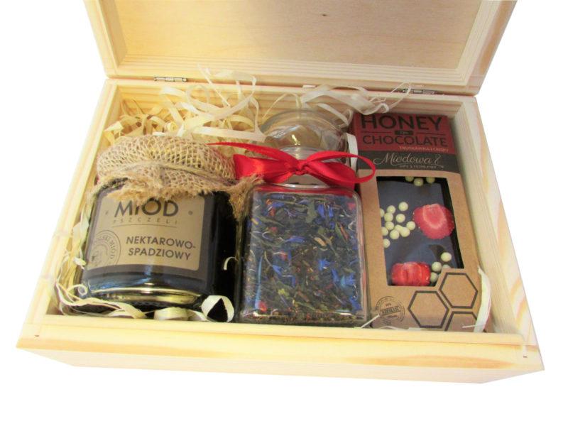 Zestaw na prezent: herbata, miód, czekolada