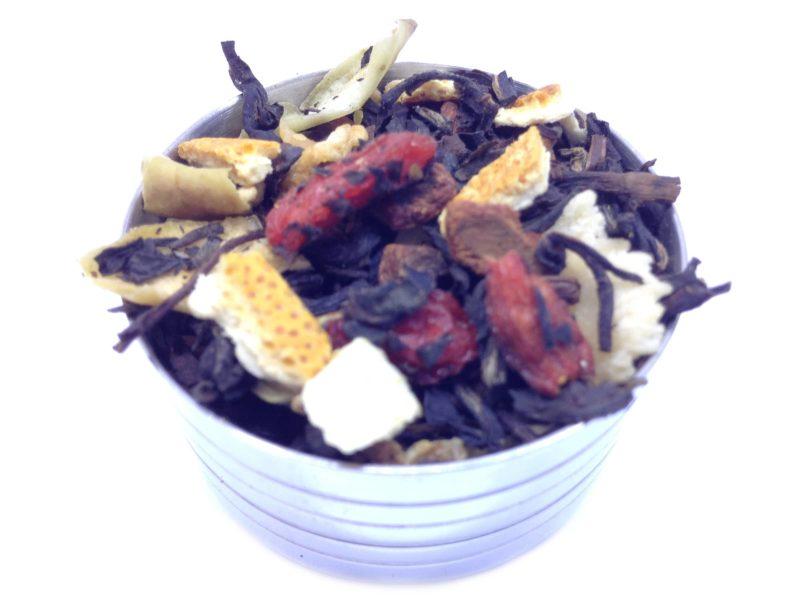Herbata czarna Dary Jesieni (dodatki: cynamon, jabłko, skórka pomarańczy, owoc goji, kokos, orzech laskowy, kardamon)