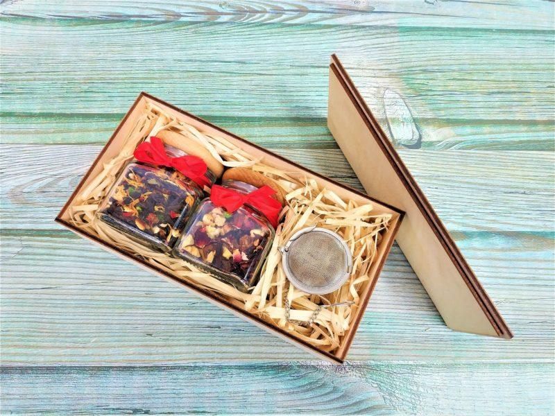 Dwie herbaty lub kawy + zaparzacz kulka w Drewnianym Pudełku!