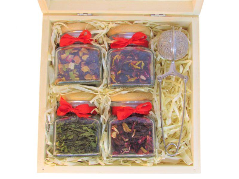 cztery herbaty/kawy + zaparzacz w drewnianym pudełku